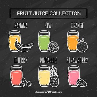 Pizarra con seis zumos de fruta diferentes