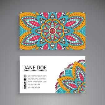 Plantilla colorida de tarjeta de visita de mandala