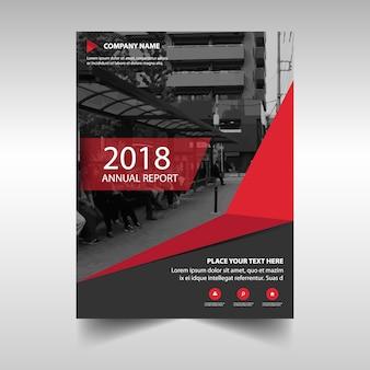 Plantilla creativa de cubierta de informe anual rojo