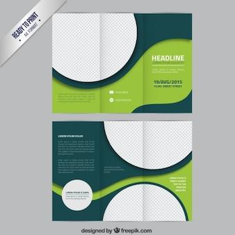 Plantilla de folleto verde con círculos