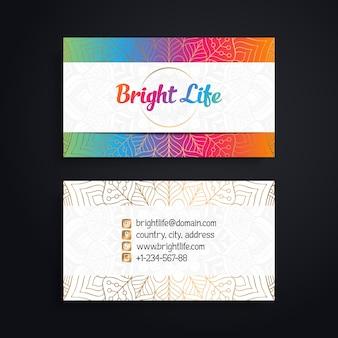 Plantilla luminosa colorida de tarjeta de visita de mandala