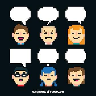 Set de avatares y globos de diálogo en estilo pixel art