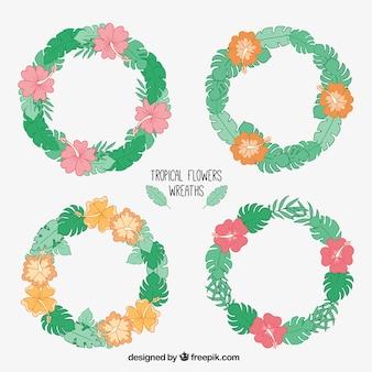 Set de coronas de flores dibujadas a mano