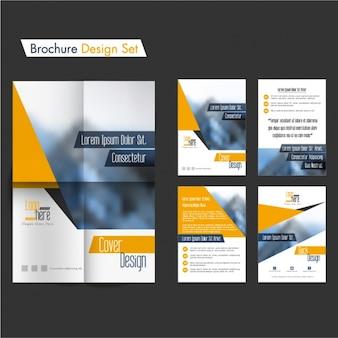 Set de diseños de folletos con detalles naranjas