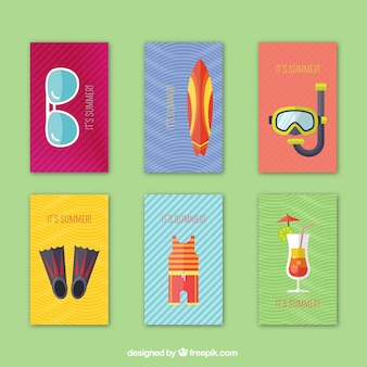 Set de tarjetas de verano con elementos en diseño plano