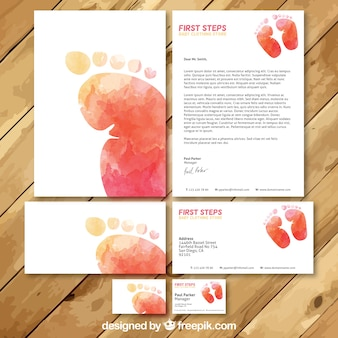 Set de tarjetas de visita en acuarela de tienda ropa de bebé