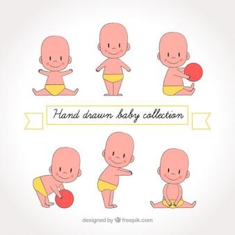 Simpatico bebé con pañales