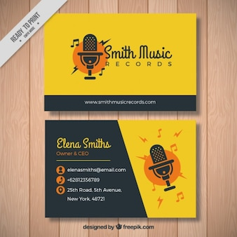 Tarjeta amarilla de cantante
