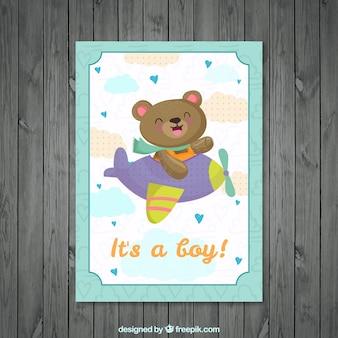 Tarjeta de bienvenida de bebé de simpático oso en una avioneta