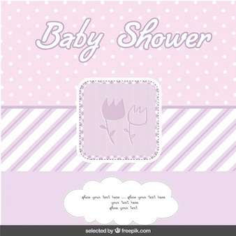 Tarjeta de bienvenida del bebé morada con flores