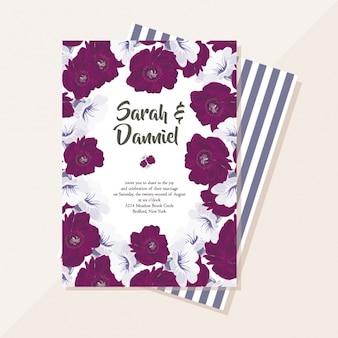 Tarjeta de boda con flores púrpuras