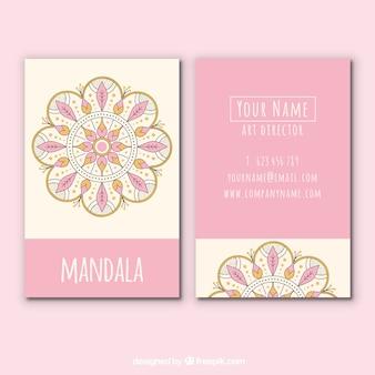 Tarjeta de presentación rosa con diseño de mandala