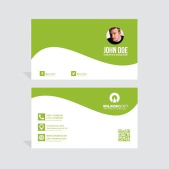 Tarjeta de visita verde con formas onduladas