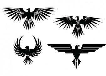 Tatuajes águila con las alas extendidas