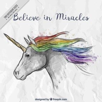 Unicornio dibujado a mano con una bonita frase