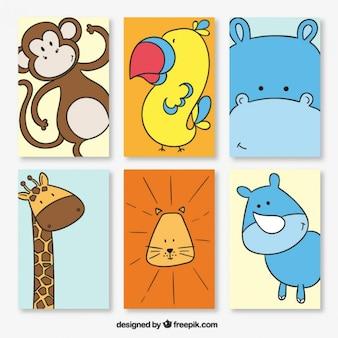 Varias tarjetas de animales adorables dibujados a mano