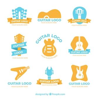 Variedad de logos de guitarras de colores en diseño plano