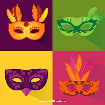 Variedad de máscaras de carnaval