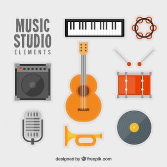Varios instrumentos de música en diseño plano