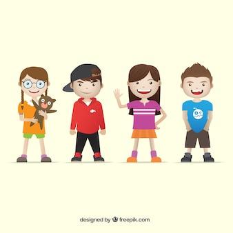 Varios niños llevando ropa moderna