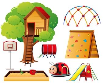 Baumhaus und andere Spielstationen