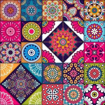 Bunte nahtlose Muster mit Blume und Mandalas