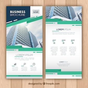 Business Broschüre mit abstrakten Formen