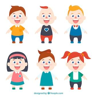 Charaktere von Kindern mit verschiedenen Kleidern eingestellt