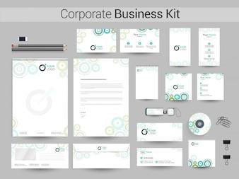 Corporate Identity oder Business Kit mit grünen Kreisen.