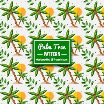 Farbiges Muster von Sonnen und Palmen