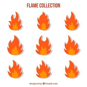 Flache Sammlung von Flammen in zwei Farben
