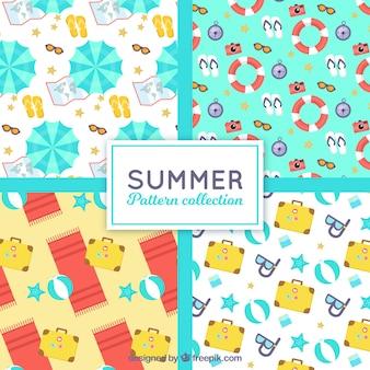 Flache Sammlung von vier Mustern mit Sommerelementen