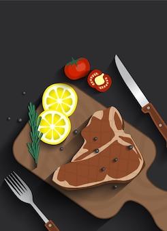 Gekochtes Fleisch-T-Bone-Steak auf Servierbrett-Draufsicht