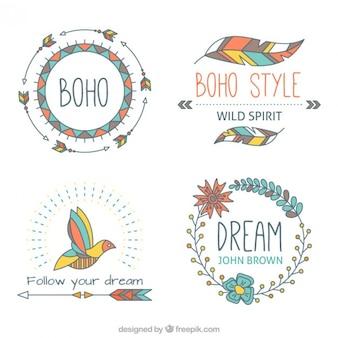 Hand gezeichnet Boho aelements mit weichen Tönen