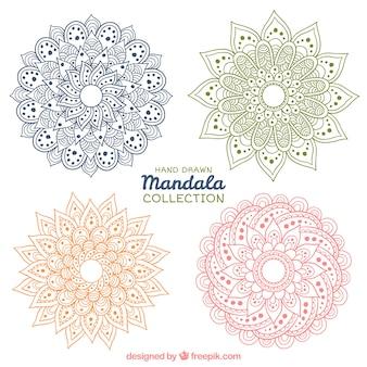 Hand gezeichnete Mandalas von Farben