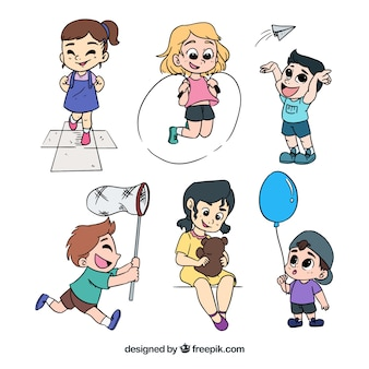 Handgezeichnete Packung von glücklichen Kinder spielen
