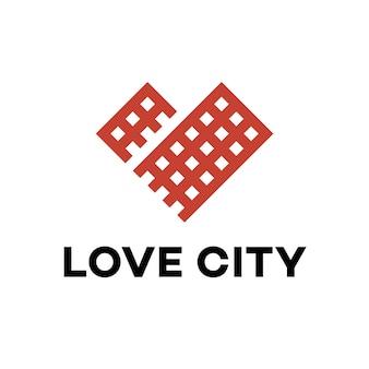 Herz-Logo mit Stadt-Design