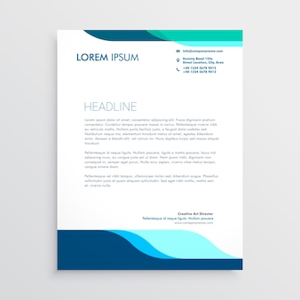 Moderner Briefkopfentwurf mit sauberen blauen Formen