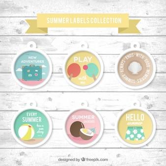 Packung mit Sommer-Etiketten mit Leuchtturm