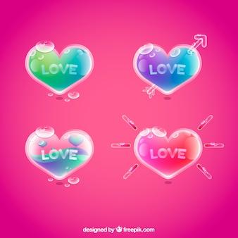 Packung von farbigen Herzen