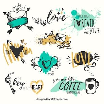 Packung von Hand gezeichneten Herzen mit Phrasen