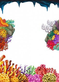 Rahmenschablone mit Korallenriff unter Wasser