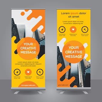 Roll-up-Banner mit gelben Formen