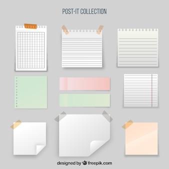Sammlung von Haftnotizen und Blättern