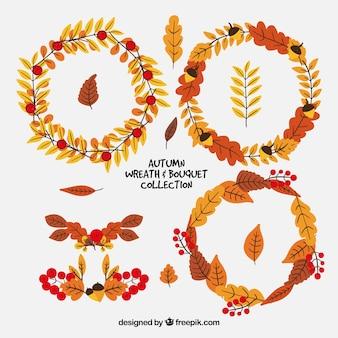 Set von Herbstkränzen mit getrockneten Blättern