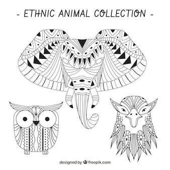Skizzen von ethnischen Tieren gesetzt
