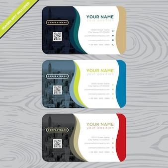Visitenkarte mit mehrfarbigen Wellen