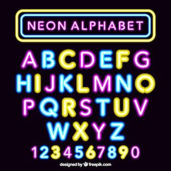 Alfabeto de néon fantástico