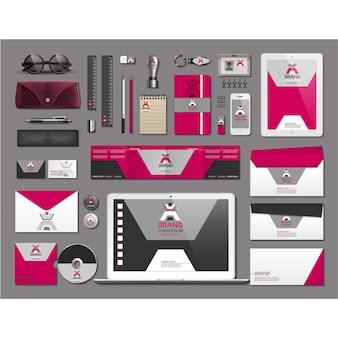 Artigos de papelaria de negócios com design rosa
