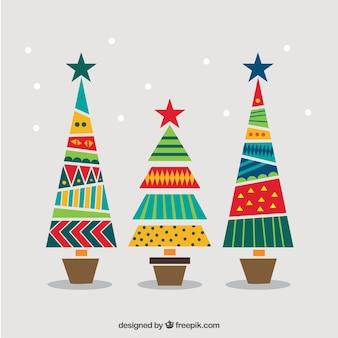 Árvores geométricas e coloridas do Natal